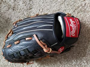 Youth baseball glove for Sale in Herndon, VA
