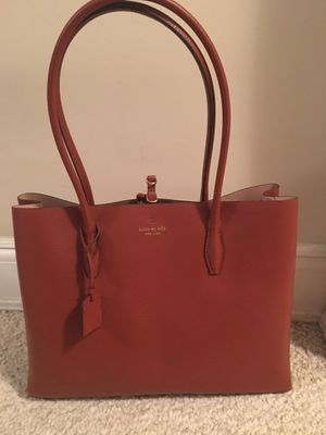 Kate spade large tote Nwts for Sale in GREAT NCK PLZ, NY