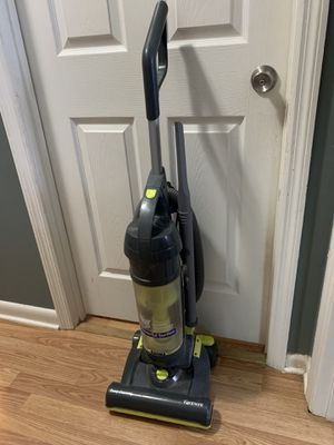 Kenmore Upright Bagless Vacuum for Sale in Nashville, TN