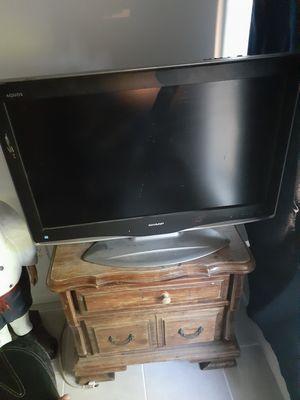 Sharp 32' TV for Sale in Salt Lake City, UT