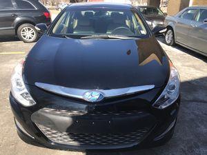 2013 Hyundai Sonata hybrid for Sale in St. Louis, MO