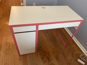 Study desk with drawers for Sale in Newark, NJ
