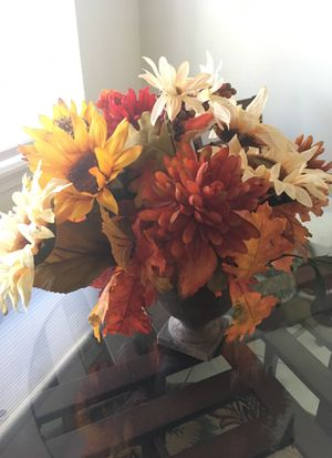 Flower vase for Sale in Virginia Beach, VA