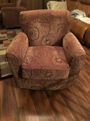 2 chairs for Sale in Tampa, FL