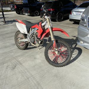 Crf 450r 2006 And 2008 for Sale in Fresno, CA