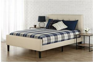 Like Very New! King size button tufted platform bed for sale! for Sale in Aurora, IL