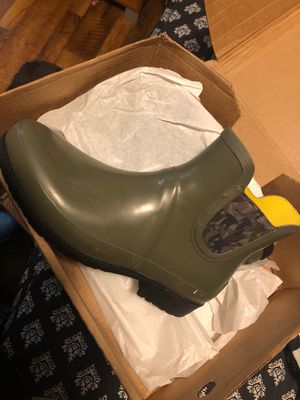 Brand new size 10 women's LL Bean Wellie rain boots for Sale in Fort Worth, TX