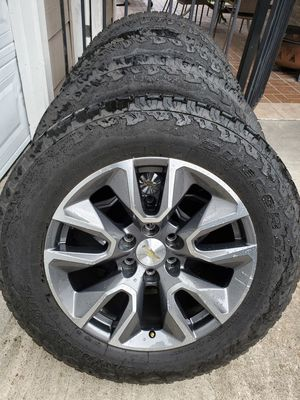 """20"""" GMC Sierra Chevy Silverado wheels and tires for Sale in Humble, TX"""