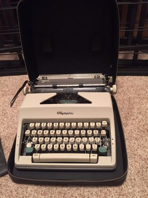 Olympia Vintage Typewriter with carrying case for Sale in La Mirada, CA