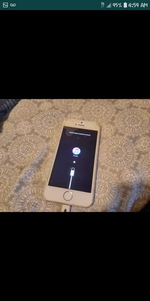iPhone 5 for Sale in Pomona, CA