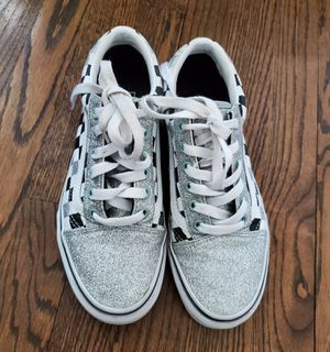 Vans shoes size 7 for Sale in Glenview, IL