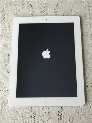 iPad 3 , 3rd Generation , UNLOCKED , Usable with Wi-Fi and all Company carrier Cellular for Sale in Springfield, VA