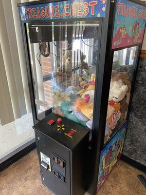 Claw machine for Sale in St. Peters, MO