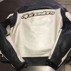Men's Leather Motorcycle Jacket Alpinestars for Sale in Highland, CA