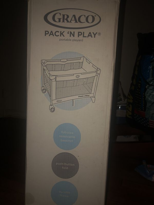 Baby pack and play full size removable bassinet