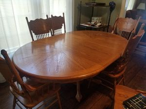 OAK OVAL DINING TABLE W/6 CHAIRS for Sale in Union City, TN