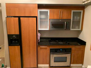 Kitchen set with appliances for Sale in Miami, FL