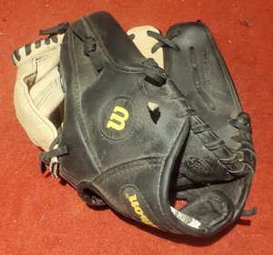 """Wilson 11"""" youth baseball glove A0260tr11 for Sale in Sunnyvale, CA"""