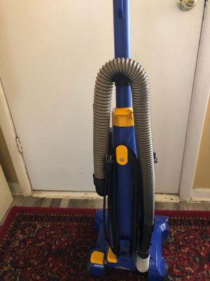 Eureka vacuum cleaner for Sale in Arlington, TX
