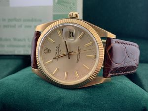 Vintage Rolex Solid Gold 34mm Date Like New WITH BOX AND PAPERS! for Sale in TWN N CNTRY, FL