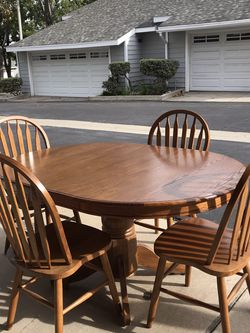 Oak Dining Table/4 Chairs for Sale in San Dimas,  CA