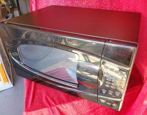 Like New, Whirlpool Microwave for Sale in Sarasota, FL
