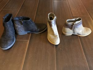 Girls size 1 boots for Sale in Pflugerville, TX