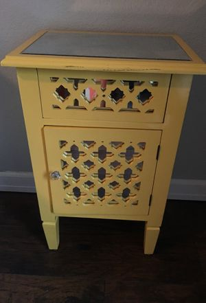 Mirror dresser and night stand set for Sale in Portland, OR
