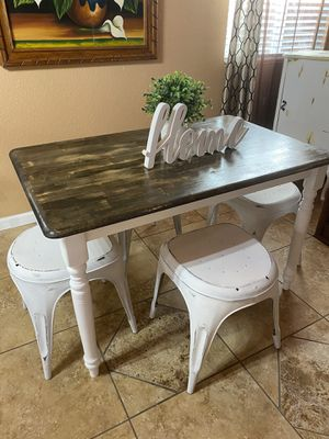 Nice small kitchen table / 4 chairs or 4 stools 😍 for Sale in Denver, CO