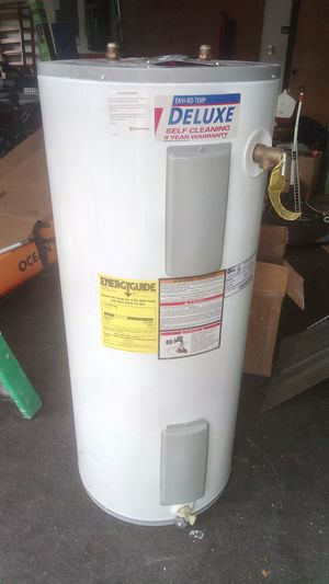 Water heater for Sale in Eustis, FL