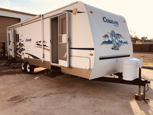 2006 Cougar by keystone 26 foot travel trailer for Sale in Houston, TX