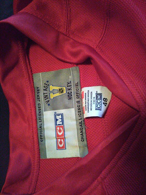 New gordie howe jersey all numbers and letters stitched excellent condition size 48