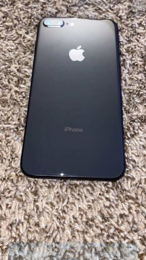iPhone 8 plus for Sale in Effingham, IL