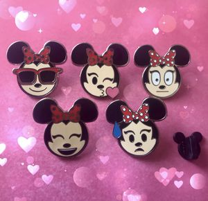 Official Disney Trading Pin set Minnie Mouse Emoji Series collectibles for Sale in Winter Park, FL