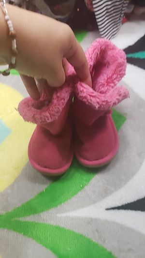 Fuzzy Pink Boots size 4 for Sale in Ontario, CA