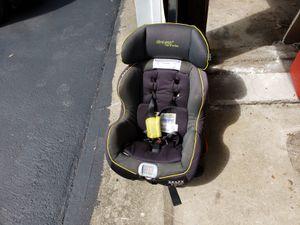 Car seat, bike for Sale in Garfield, NJ