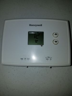 HONEYWELL THERMOSTAT for Sale in Hesperia, CA