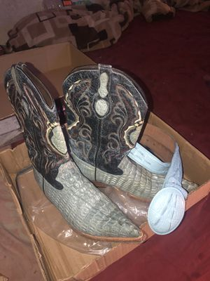Mens boots EL GRANDE PIEL GRABADA CHIHUAHUA MEXICO 28 USA 9 make me a reasonable offer comes with belt for Sale in Las Vegas, NV