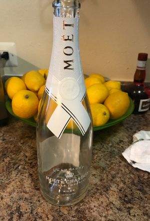 Empty Off White Rose Moët bottle for Sale in Washington, DC