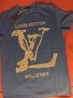 Louis Vuitton T shirt for Sale in The Bronx, NY