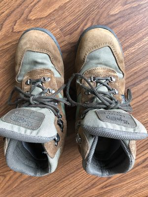 Vasque Leather Hiking Boots Alpha GTX Gor-Tex - Woman for Sale in Scottsdale, AZ