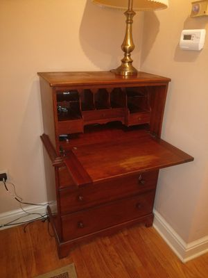 Secretary Desk, perfect for laptops, hide clutters for Sale in McKnight, PA