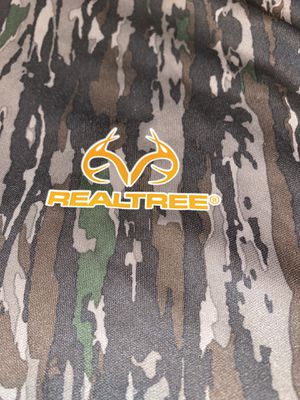 Realtree Long Sleeve Camo Shirt, Extra Extra Large, $10 for Sale in Marietta, GA