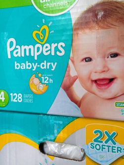 Pampers Baby Dry Size 4 /128 Count for Sale in East Los Angeles,  CA