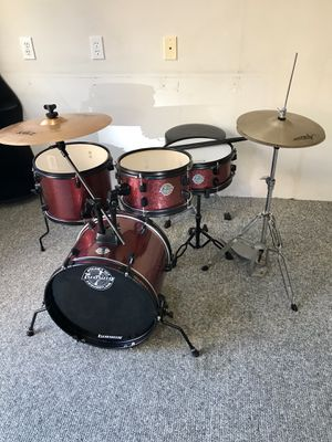 "Ludwig pocket kit questlove 16"" bass drum jazz bebop Zildjian cymbals throne bass pedal in good condition $200 in Newport Beach 92663 for Sale in Newport Beach, CA"