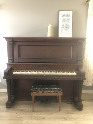 Free piano for Sale in Albuquerque, NM