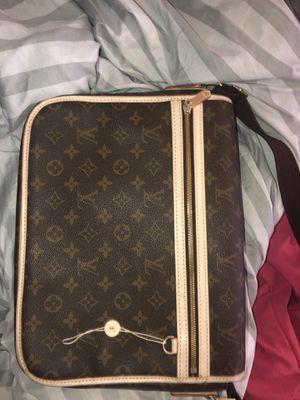 Louis Vuitton Messenger bag for Sale in Berkeley, CA