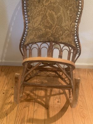 ANTIQUE ROCKING CHAIR for Sale in Alamo, CA