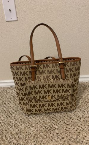 32b5a24a0b36 Michael Kors JetSet LG Pocket Tote Bag for Sale in Arlington, TX