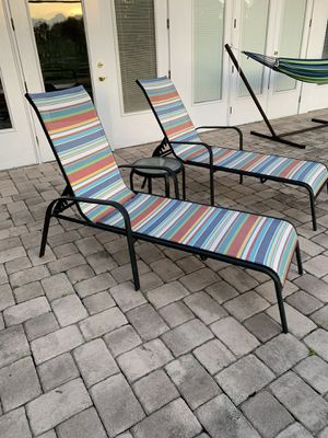 Patio Loungers & table for Sale in Clermont, FL